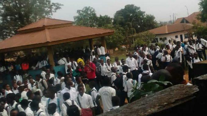 Béni : les élèves en sit-in pour exiger la reprise des activités scolaires