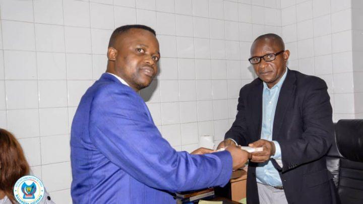 Effort de guerre : Nsingi Pululu répond à l'appel et montre la voie