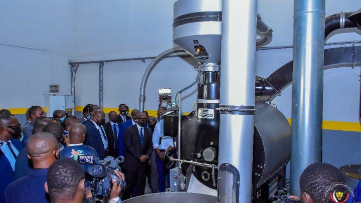 RDC : le Premier ministre Sama Lukonde inaugure la nouvelle usine de torréfaction du Café de l'ONAPAC